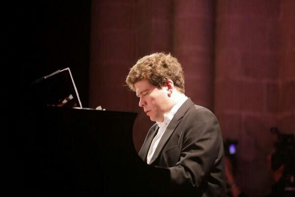 Denis Matsuev (source: matsuev.com; © 2011)