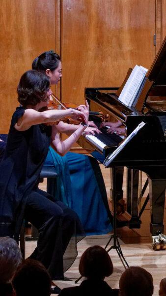 Trio Alba: Livia Sellin, Chengcheng Zhao @ Konsi Bern, 2019-05-20 (© Rolf Kyburz)