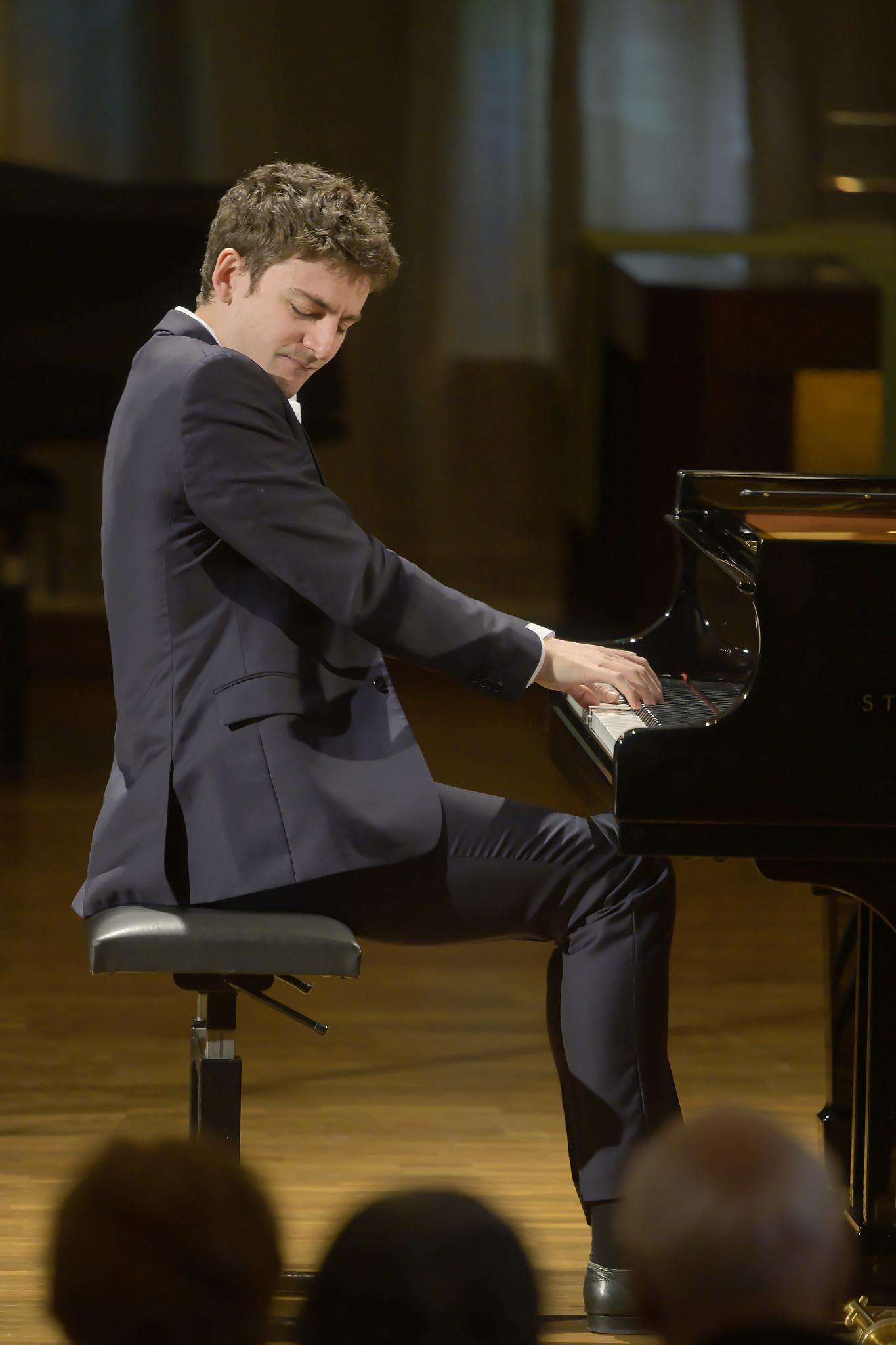 Alexander Ullman, Debut Recital @ Lucerne Piano Festival, 2019-11-22 (© Priska Ketterer / Lucerne Festival)