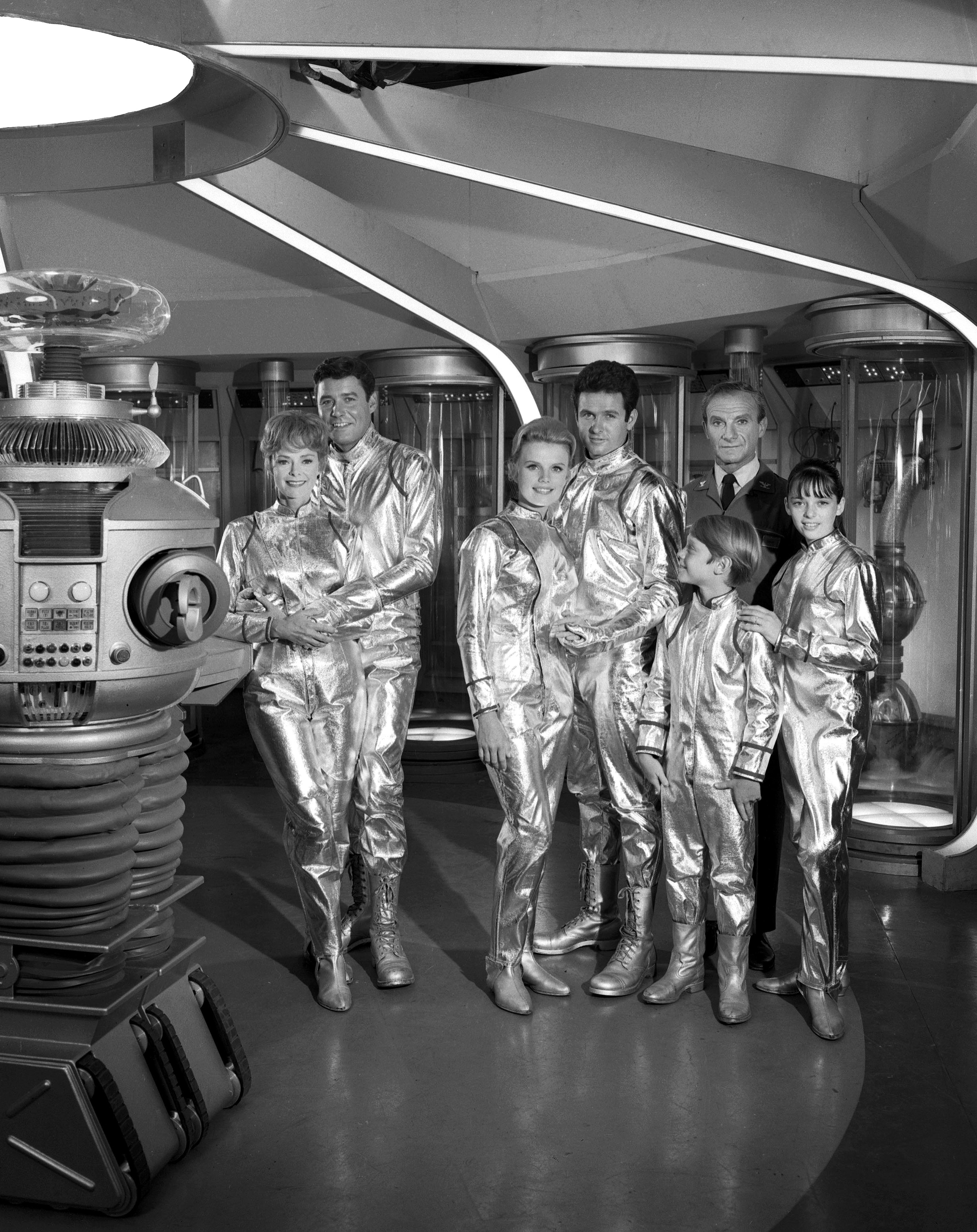 Netflix Orbits Around Lost In Space Reboot