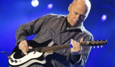 Mark Knopfler Plots Summer North American Tour