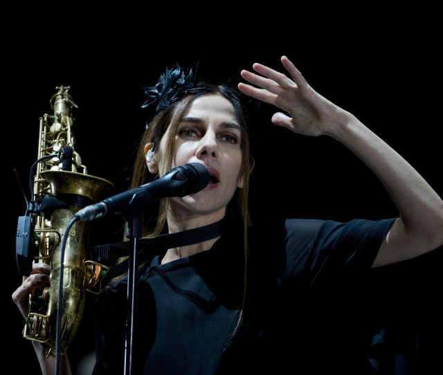 British Singer Songwriter Pj Harvey Performs During A Concert At The Corona Capital Music Festival Pj Harvey Has Unveiled New Song