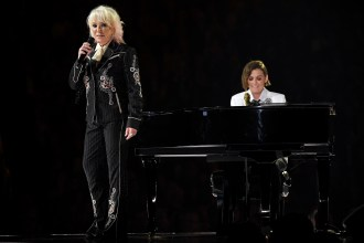 Tanya Tucker Sings 'Bring My Flowers Now' With Brandi Carlile at the 2020 Grammys