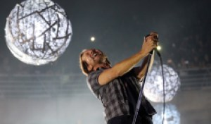 Pearl Jam Detail Tracklist for New Album 'Gigaton'