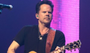 Gary Allan Recalls Pivotal 'Smoke Rings in the Dark,' Says He's Cutting New 'Throwback' Music