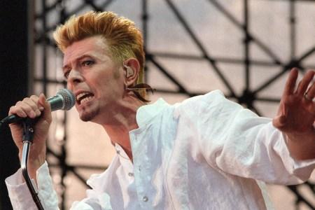 David Bowie S Unreleased John Lennon Bob Dylan Covers Set For Single Rolling Stone