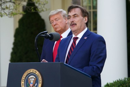 trump calls in mike lindell mypillow ceo to discuss martial law rolling stone