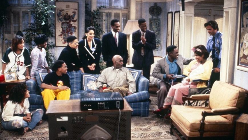 A DIFFERENT WORLD, Cree Summer (bottom left), Charnele Brown (second from left), Darryl M. Bell (back, third from left), Jasmine Guy (center left), Kadeem Hardison (right of center), Glynn Turman (crouching, right), 1987-1993. © NBC / Courtesy Everett Collection