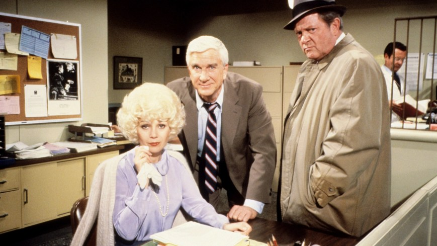 POLICE SQUAD, Kathryn Leigh Scott, Leslie Nielsen, Alan North, 'The Substantial Gift (The Broken Promise)', (aired March 4, 1982), 1982. © Paramount Television / Courtesy: Everett Collection