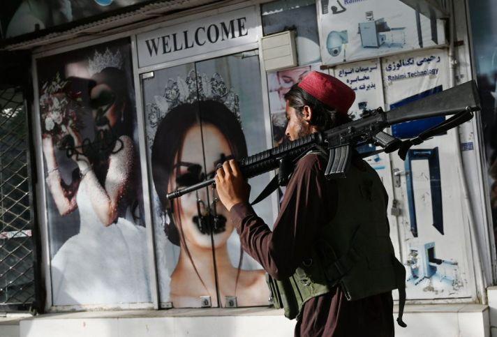 Come si comporteranno i social network con i Talebani?   Rolling Stone  Italia