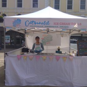 cotswold ice cream, ice cream rolls, bespoke flavours,ice roll, roll up ice cream,artisan ice cream cirencester, handcrafted ice cream in cirencester, rolled ice cream