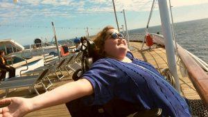 Sien op het dek van het cruiseschip