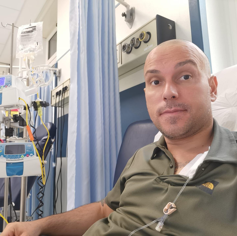 Raccolta fondi: Alessandro è un ragazzo con un tumore allo stadio terminale. Può essere curato con un costoso farmaco sperimentale «Servono 20mila euro ogni 21 giorni»