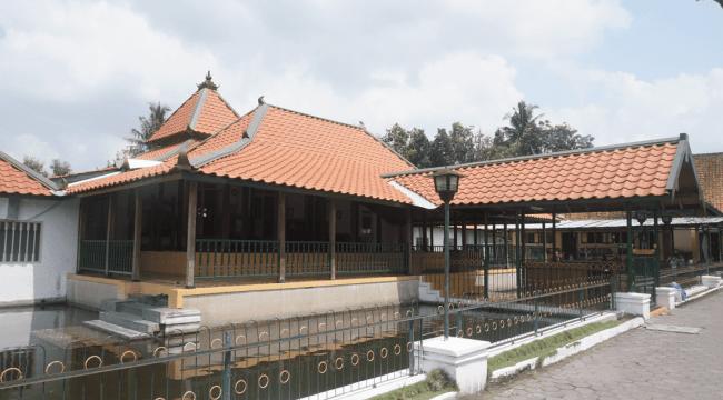 Masjid Pathok Negara Sulthoni