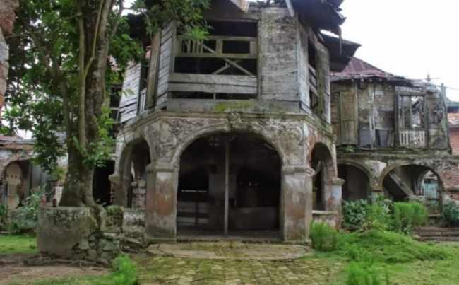 Gambar Rumah Adat Batu Pangeran Wirokusumo
