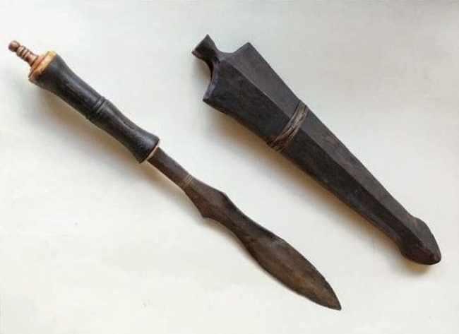 Senjata Tradisional Dohong