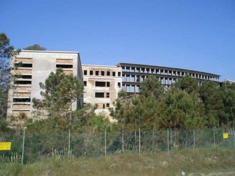 Colonia Varese: un colosso abbandonato a Milano Marittima