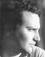 LEO LOBOS - PERCORSO CULTURALE Traduzione in Lingua Italiana di ROSETTA SAVELLI Leo Lobos (Santiago del Cile, 1966) poeta, saggista, traduttore e artista visivo.