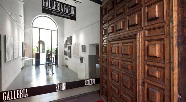 "FARINI CONCEPT GALLERY OPENS THE DOORS OF PALACE FANTUZZI WITH ""ART AT THE PALACE"" ON THE 18th OF OCTOBER AT 17 WITH A NEW EXHIBITION. Article by Rosetta Savelli"