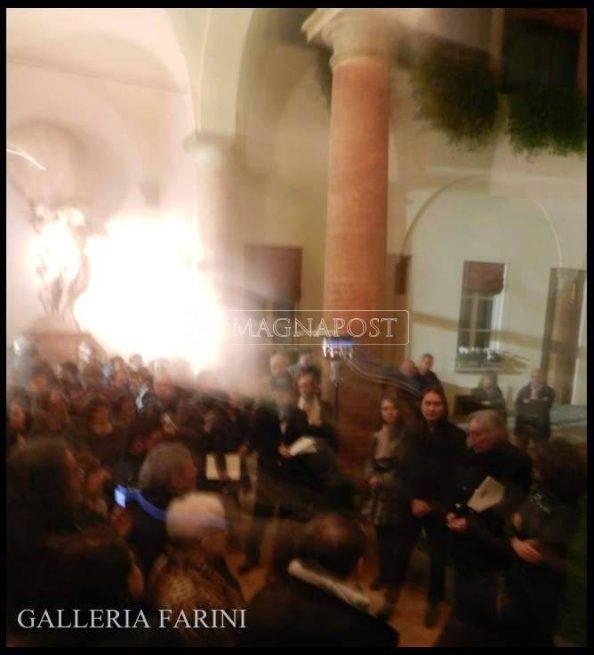 XXI° COLLETTIVA INTERNAZIONALE GALLERIA FARINI CONCEPT CON VITTORIO SGARBI