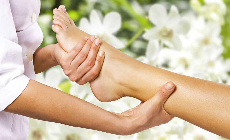 Le drainage lymphatique manuel est bénéfique pour la circulation des jambes lourdes et gonflées.