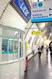 L'une des ultimes cabines de chef de station du metro - Station Liège