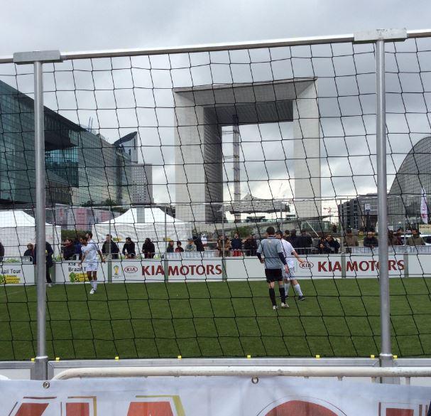Paris - Arche de la Défense - Kia FIFA 2014