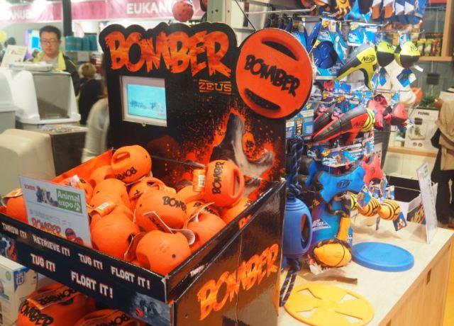 Bomber le jouet qui fait fureur chez les chiens !