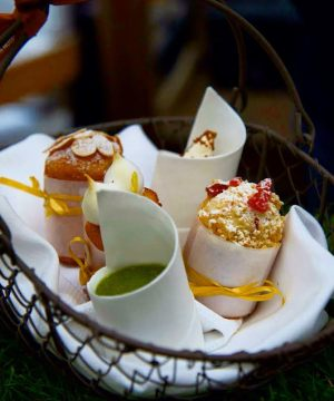 Frozen tea time bar Les Heures Paris Hotel Prince de Galles