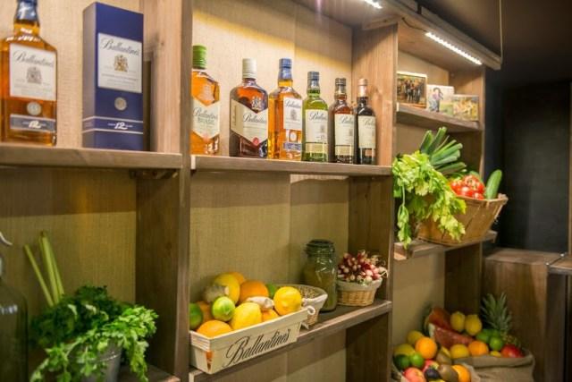 Des fruits, des saveurs pour des cocktails, dans un bar éphémère à Paris