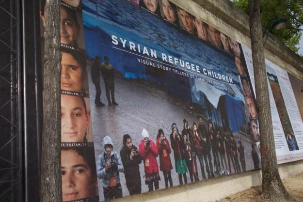 Enfants réfugiés Syrie et Irak - Exposition Rêve d'Humanité Reza Deghati - Quais de Seine Paris
