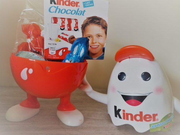Kinder personnage Kinderino et chocolats de Paques