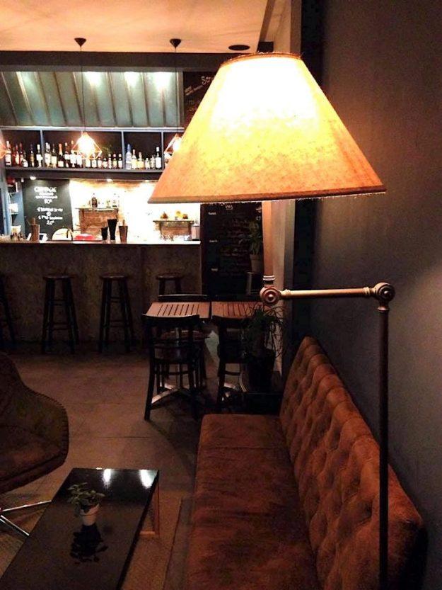 Le Loti bar rétro lounge Paris rue Oberkampf