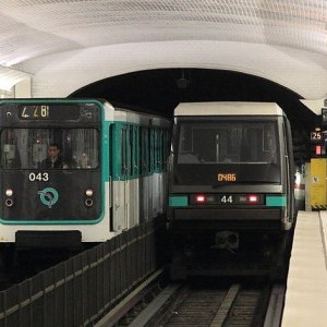 Paris metro insolite vidéos