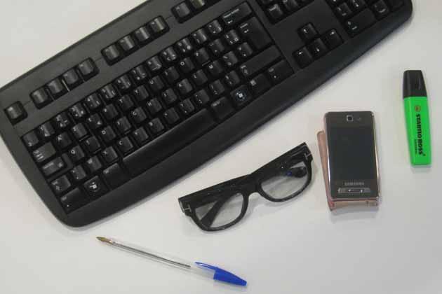Microbes virus Téléphones portables, serviettes, stylos et brosses à dents. Méfiez-vous de ces objets.