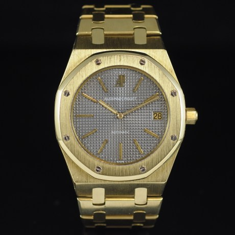AUDEMARS PIGUET ROYAL OAK JUMBO REF. 5402 BA YELLOW GOLD