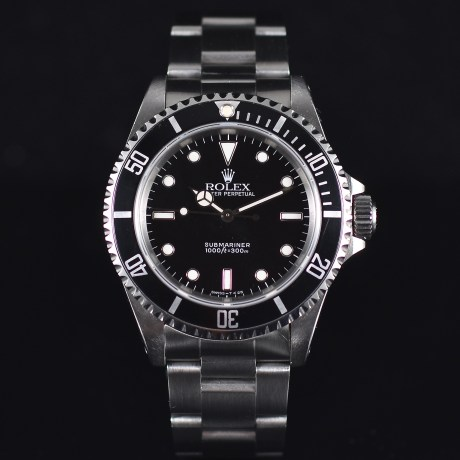 ROLEX SUBMARINER REF. 14060 BOX & PAPERS