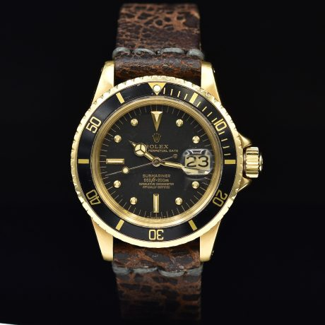 ROLEX SUBMARINER DATE REF. 1680 GOLD