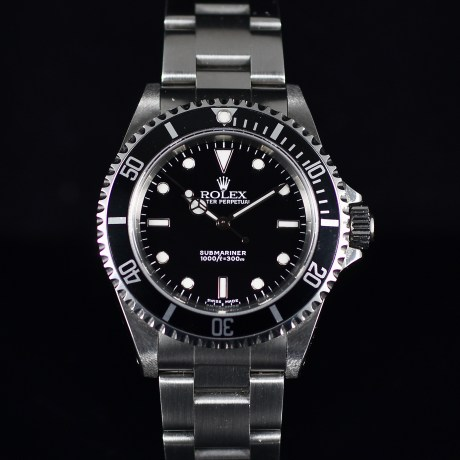 ROLEX SUBMARINER REF. 14060M BOX AND PAPERS