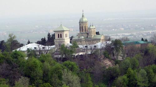 Imagini pentru biserica Mănăstirii Dealu,