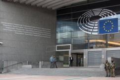 parlamentul-ue-a-stopat-negocierile-cu-turcia-privind-aderarea-la-comunitate