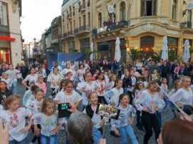 centrul-istoric-bucuresti-eu-aleg-romania-bucurestifm-concert-flashmob-1a - Copy
