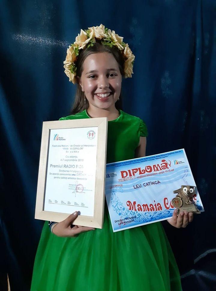 Catinca Leu - Premiul Radio Romania - Interpretare si Premiul I Grupa de varsta 12-14 la Mamaia Copiilor 2019.1100 (foto arh. pers. Catinca Leu)