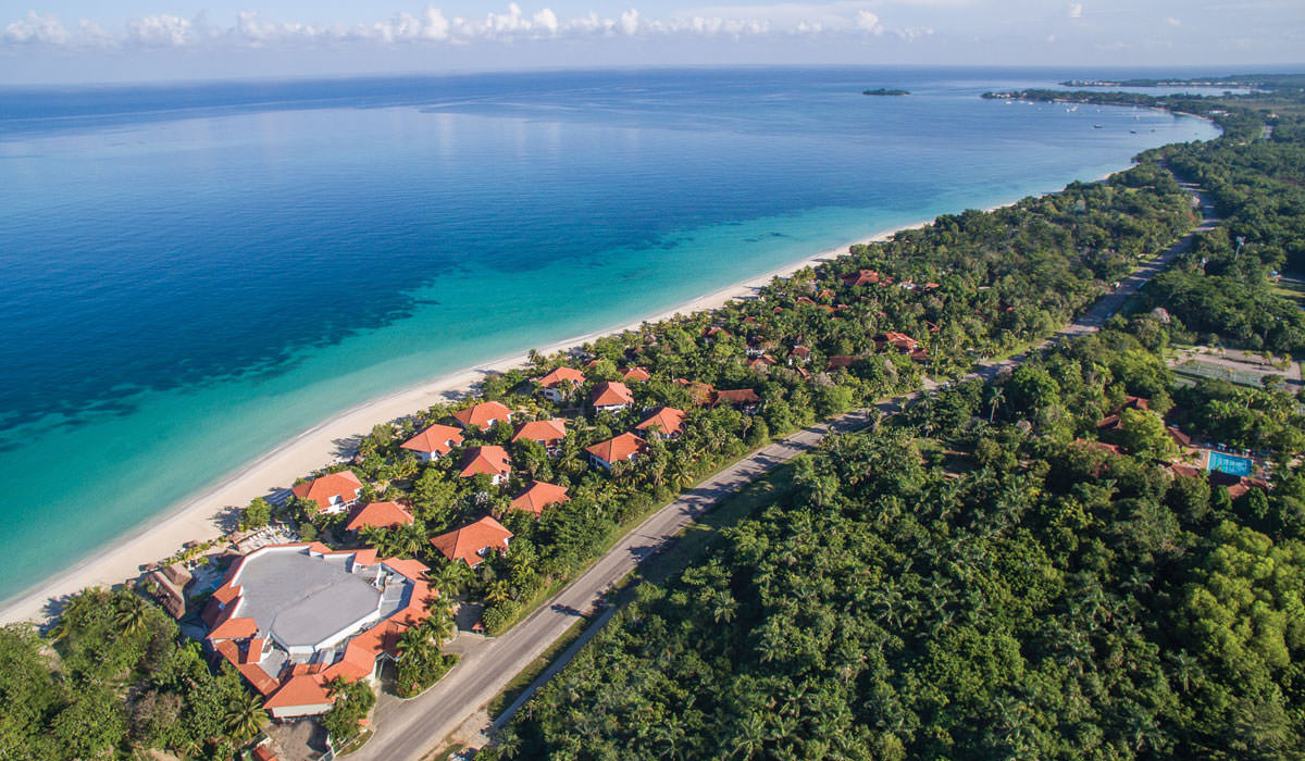 Couples Swept Away Resort in Negril