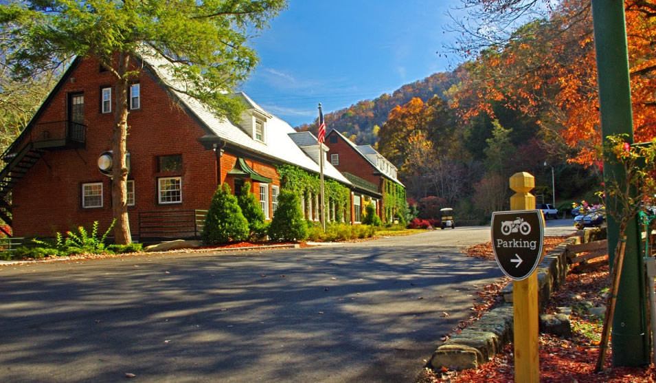 Historic Tapoco Lodge in Robbinsville