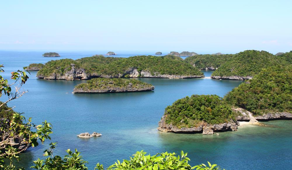hundred islands national park philippines