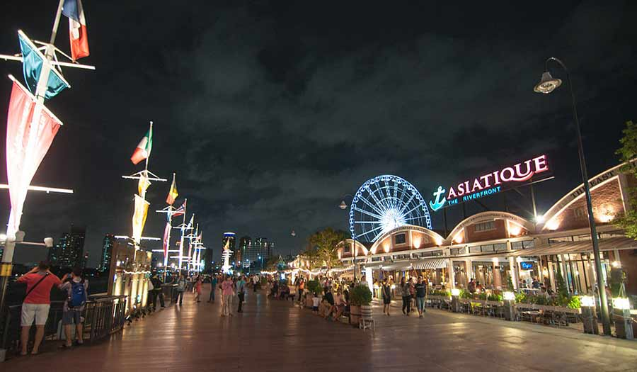 Asiatique The Riverfront Shopping Place in Bangkok