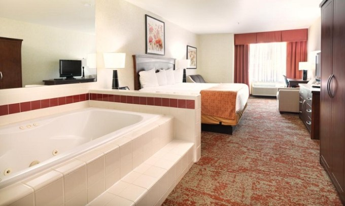 Jetted tub suite in Crystal Inn Hotel & Suites - Salt Lake City, Utah