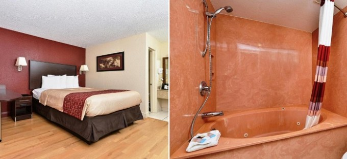 king room with hot tub in Red Roof Inn Orlando South - Florida Mall- affordable hotel