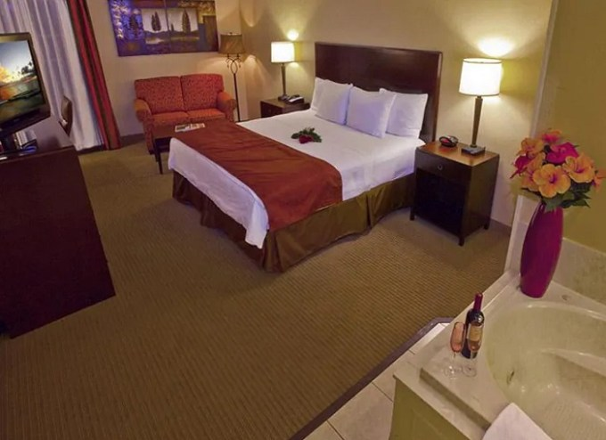 King suite with hot tub in the room in La Quinta by Wyndham OKC North Hotel